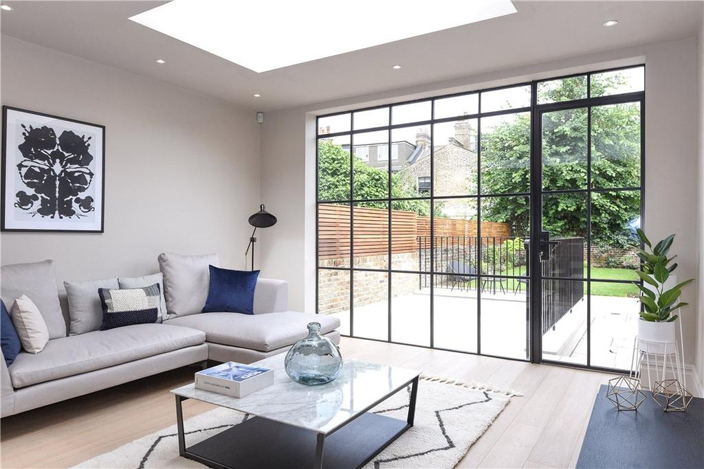 3 Bedrooms Flat for sale in Brondesbury Road, Queen's Park, London, NW6