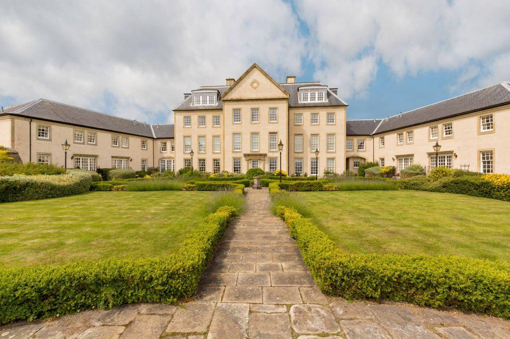 3 Bedrooms Ground Flat for sale in 4 Donibristle House, Donibristle Gardens, Dalgety Bay, KY11 9DD