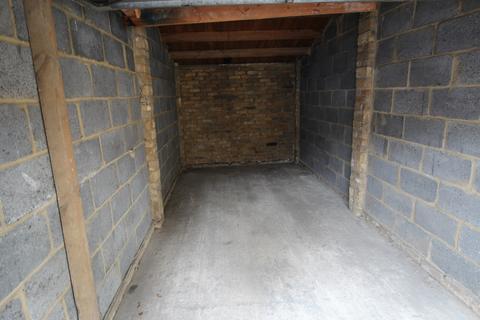 Garage to rent - LAMPITS, HODDESDON EN11