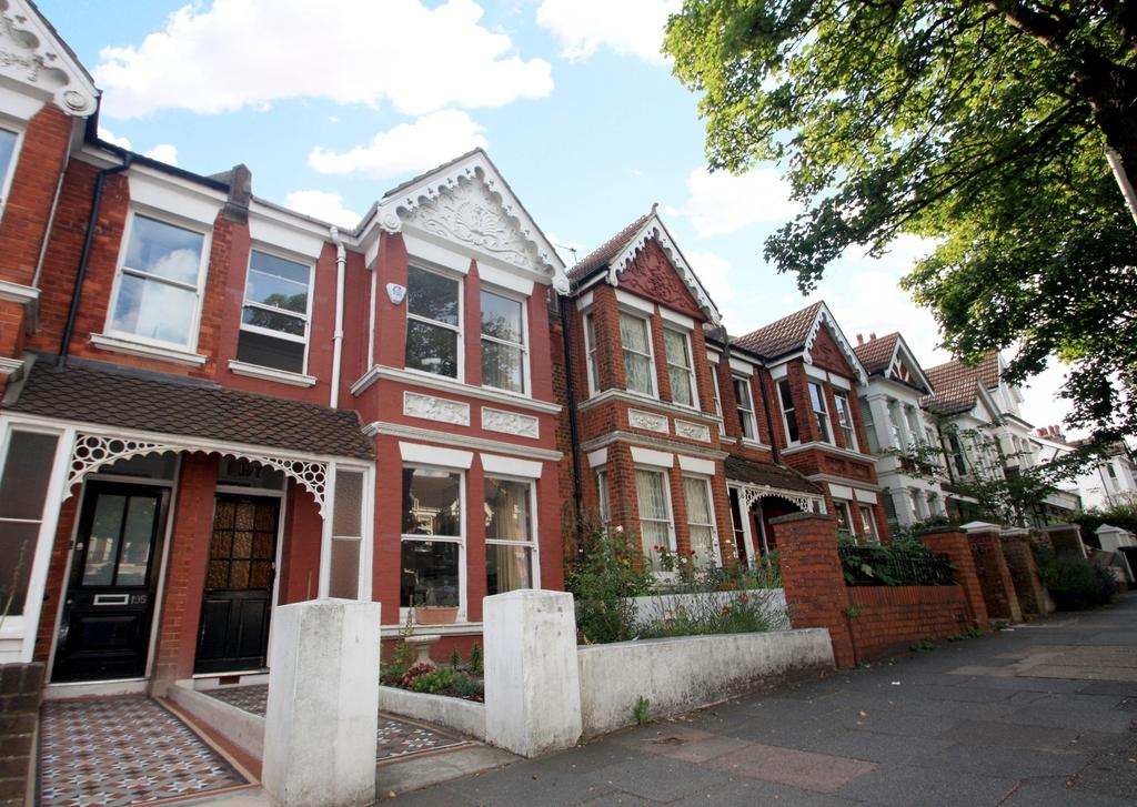 4 Bedrooms Semi Detached House for rent in Ditchling Road, Brighton, BN1