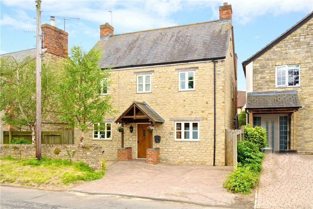5 Bedrooms Detached House for sale in High Street, Paulerspury, Towcester, Northamptonshire