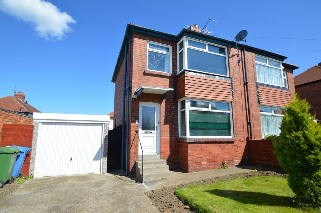 2 Bedrooms Semi Detached House for sale in Greylands Park Drive, Newby, Scarborough YO12