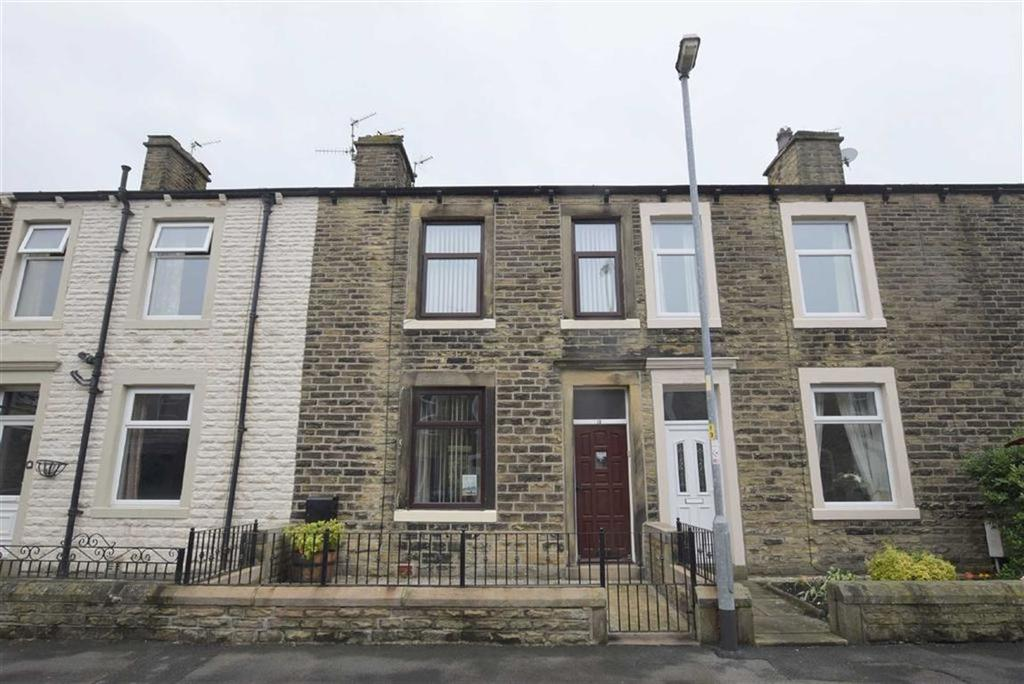 3 Bedrooms Terraced House for sale in Longroyd Road, Earby, Lancashire