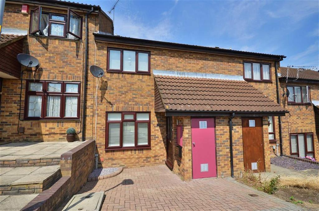 3 Bedrooms Terraced House for sale in Monica Close, Watford, Hertfordshire