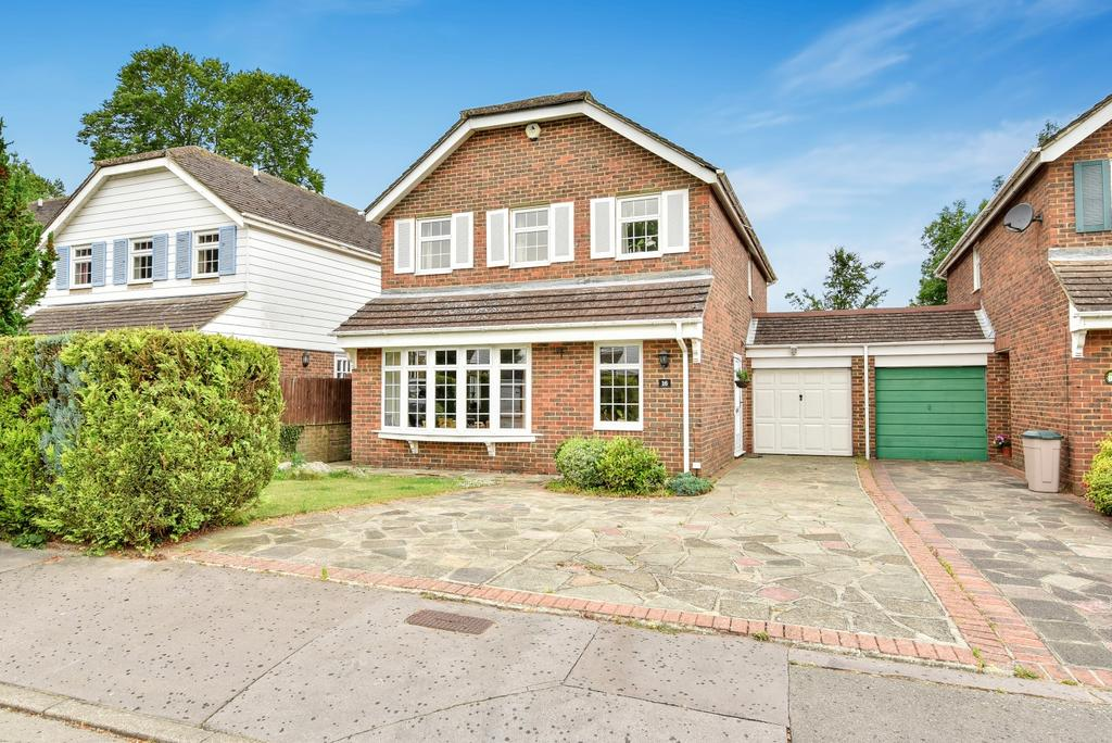 4 Bedrooms Detached House for sale in Hawfield Bank Orpington BR6