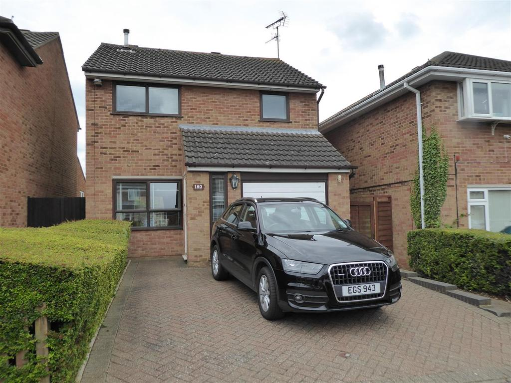 3 Bedrooms Detached House for sale in St. Johns Road, Kettering