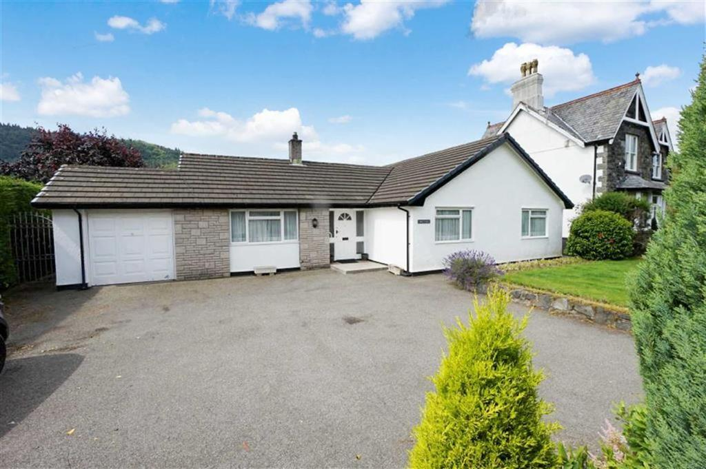 2 Bedrooms Detached Bungalow for sale in Ffordd Betws, Llanrwst, Conwy