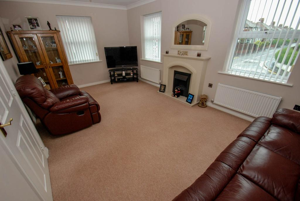 2 Bedrooms Flat for sale in Sea Way, South Shields
