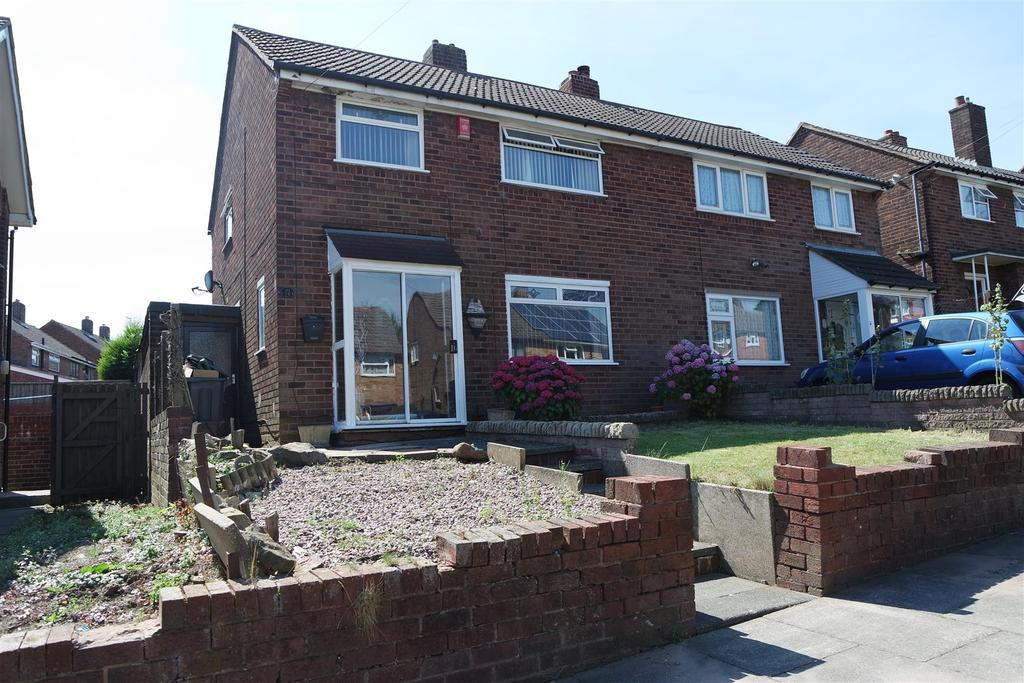 3 Bedrooms Semi Detached House for sale in Hawfield Road, Tividale, Oldbury