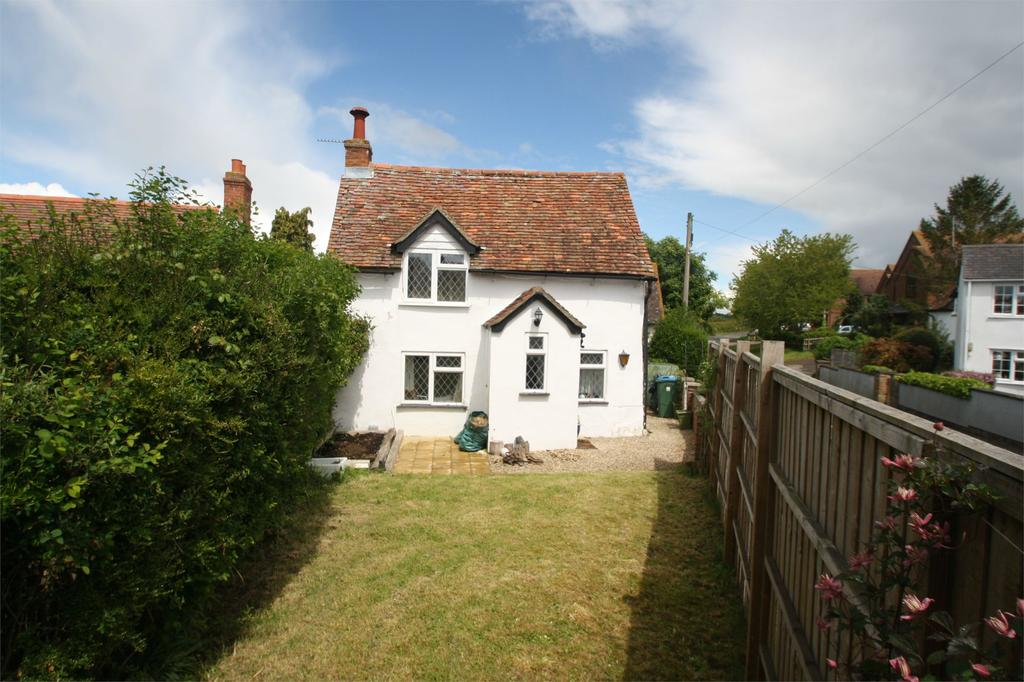 2 Bedrooms House Share for sale in Crendon Road, Shabbington, Buckinghamshire, HP18