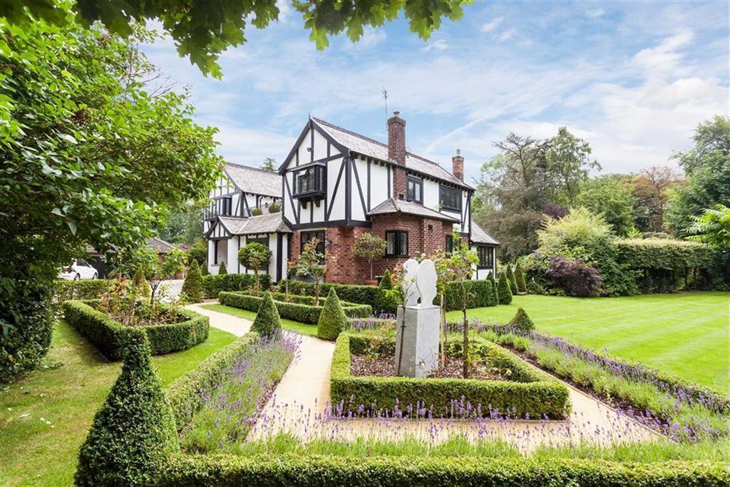 5 Bedrooms Detached House for sale in Wilmslow Road, Mottram St Andrew