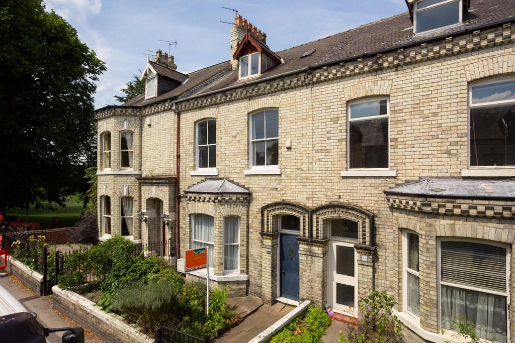 4 Bedrooms Terraced House for sale in Scarcroft Road, York