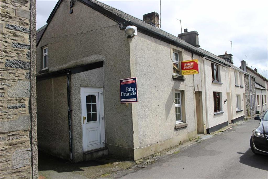 3 Bedrooms Terraced House for sale in High Street, Tregaron