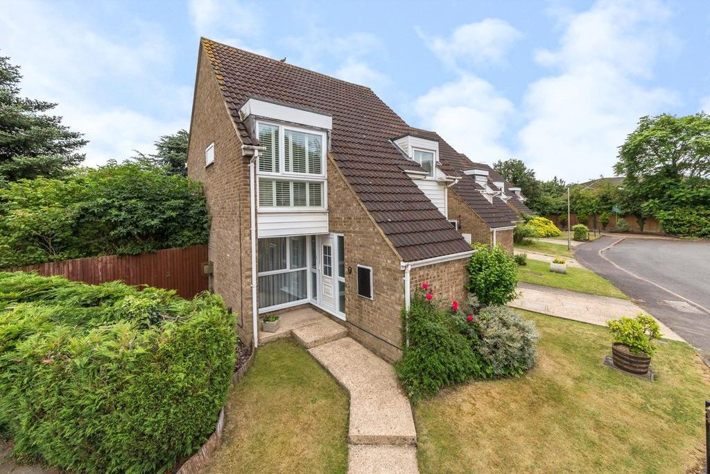 4 Bedrooms Detached House for sale in Tynedale, London Colney, St. Albans, Hertfordshire