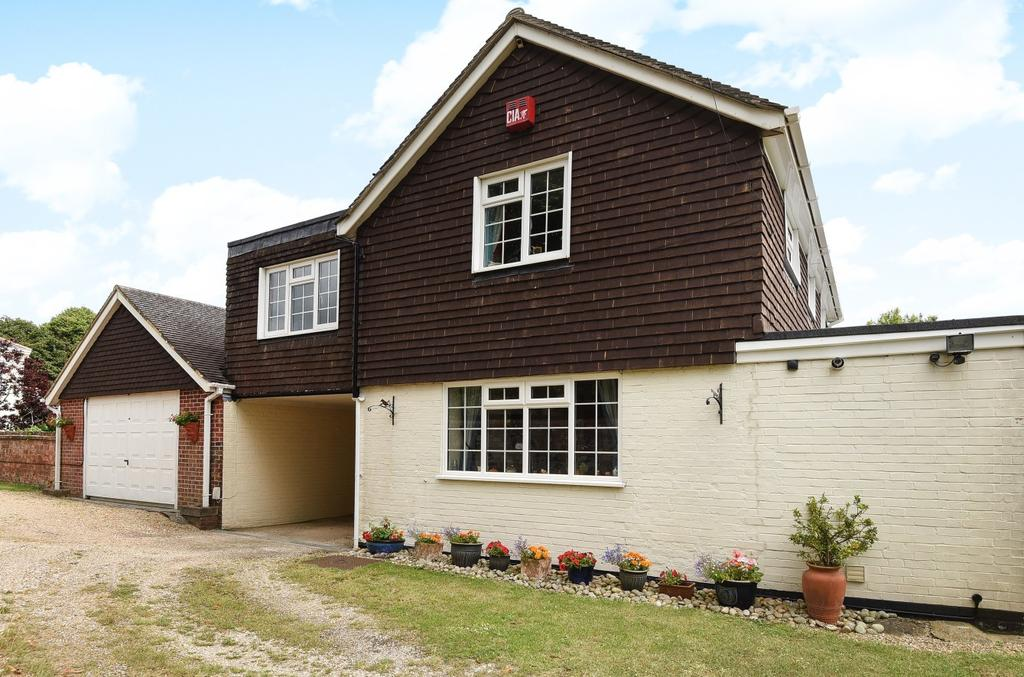 4 Bedrooms Detached House for sale in Horndean Road, Emsworth, PO10