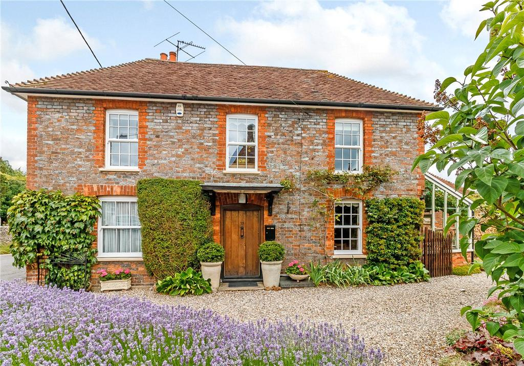 4 Bedrooms Detached House for sale in Church Street, Kintbury, Hungerford, Berkshire, RG17