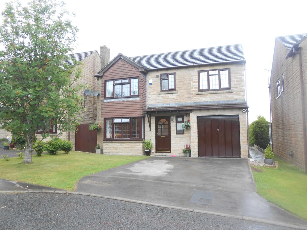 4 Bedrooms Detached House for sale in St Mathews Close, Wilsden BD15