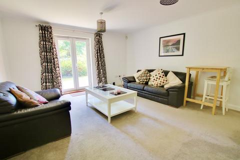 2 bedroom ground floor flat for sale - DIRECT ACCESS TO COMMUNAL GARDEN! POPULAR LOCATION! SUPERB PRESENTATION!