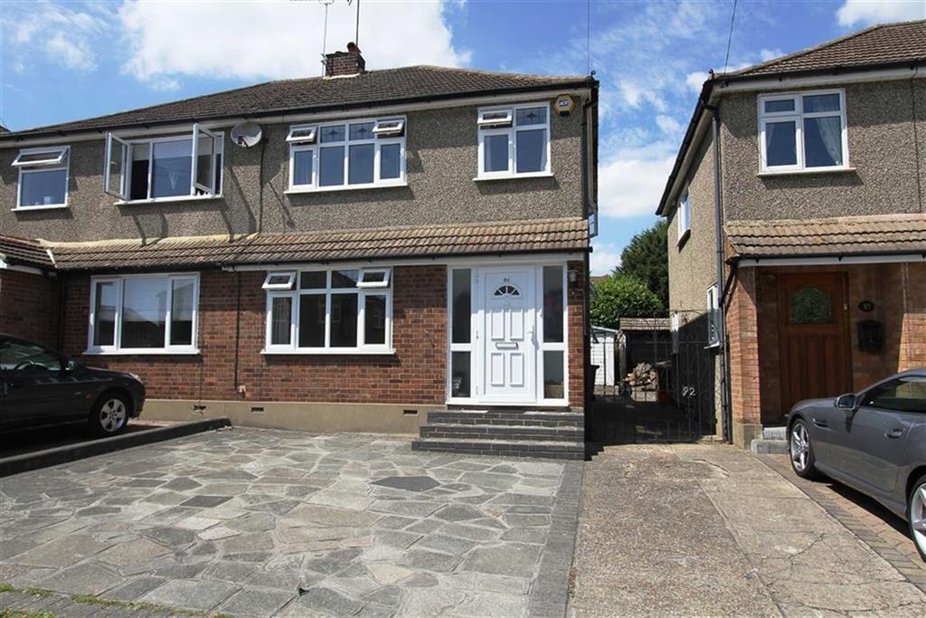 3 Bedrooms Semi Detached House for sale in Passingham Avenue, Billericay