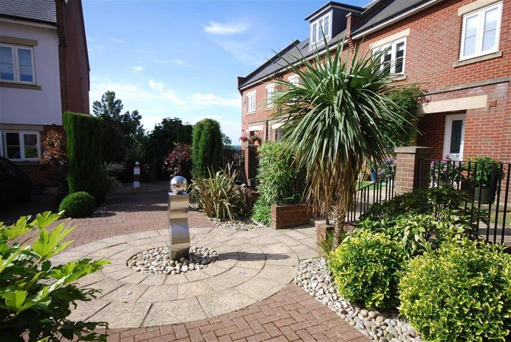 2 Bedrooms Flat for sale in Porters Park, Shenley