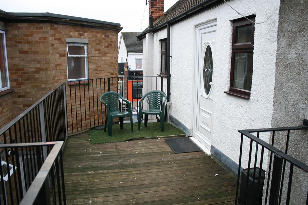 1 Bedroom Flat for sale in Benfleet
