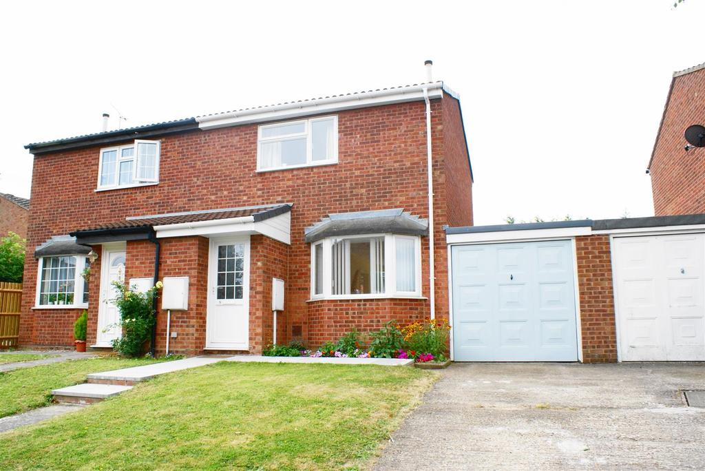 2 Bedrooms Semi Detached House for sale in Elliston Grove, Leamington Spa