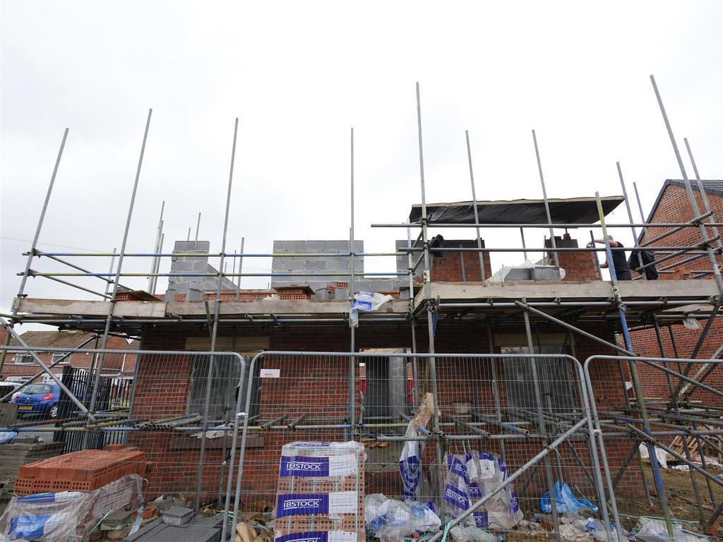 4 Bedrooms Detached House for sale in Farrington Avenue, East Herrington, Sunderland