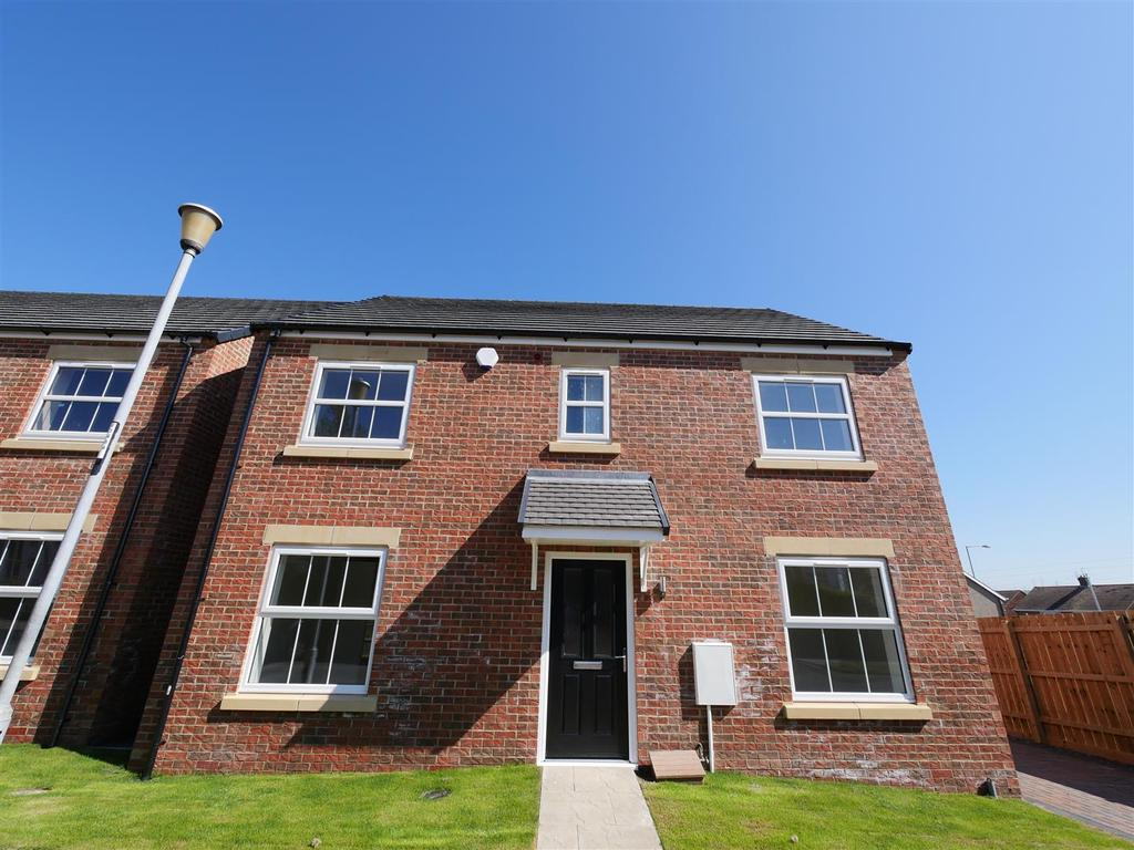 4 Bedrooms Detached House for sale in Farrington Avenue, East Herrington, Sunderland