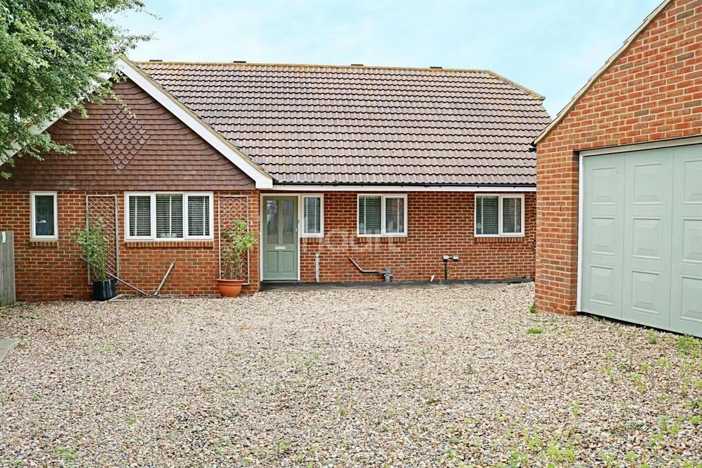 3 Bedrooms Bungalow for sale in Kent Avenue, Minster on Sea