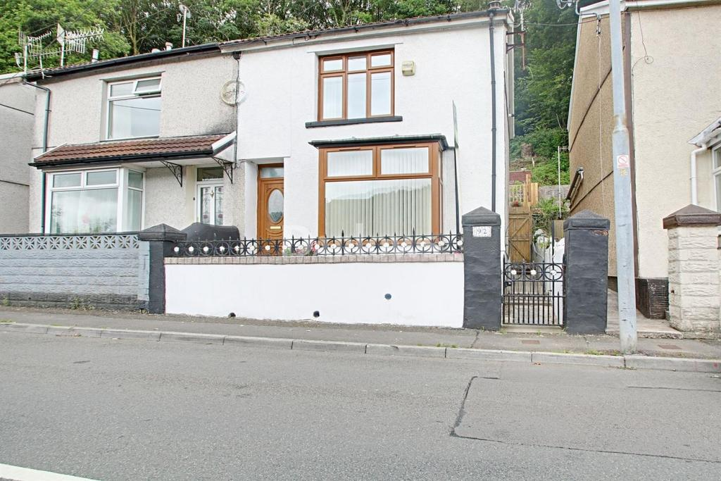 3 Bedrooms Semi Detached House for sale in Abercynon Road, Abercynon