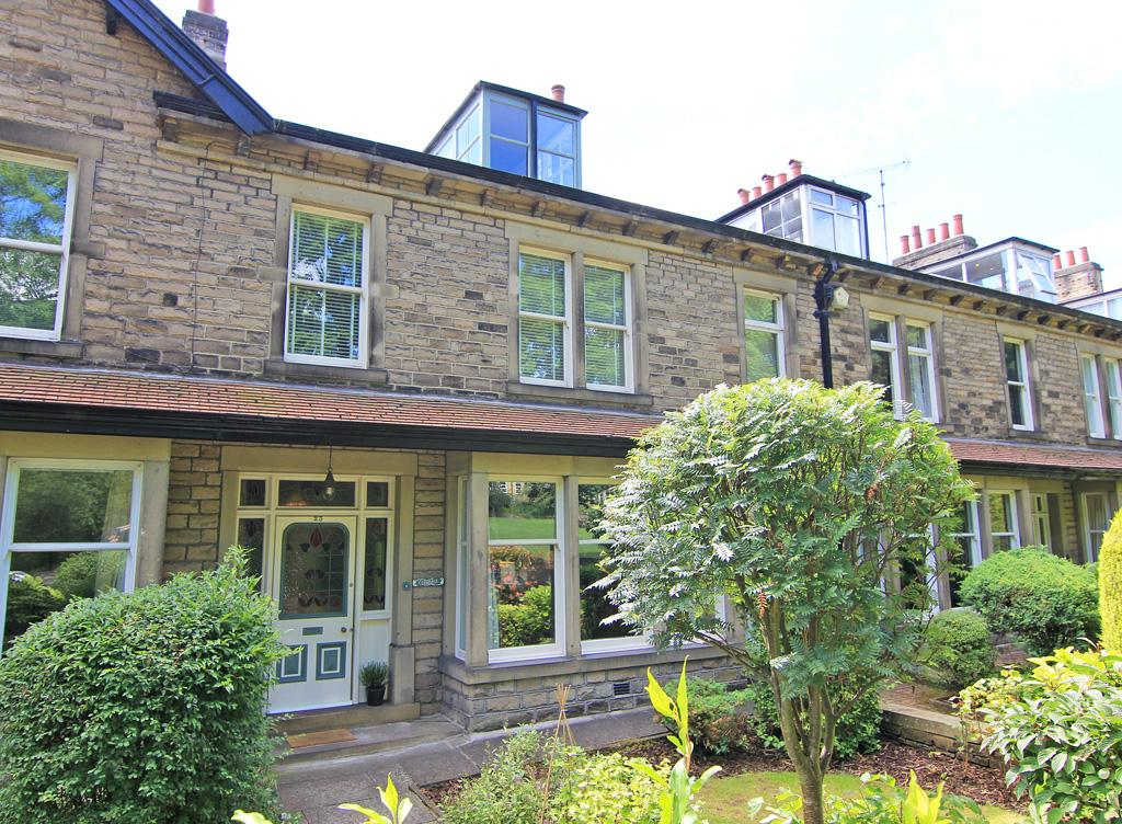 4 Bedrooms Terraced House for sale in 23 Park Avenue, Skipton,