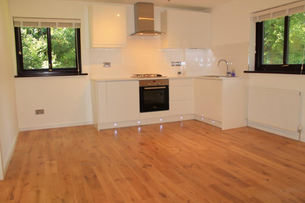1 Bedroom Flat for sale in Willian Court, Wheatley Close, Hendon, NW4