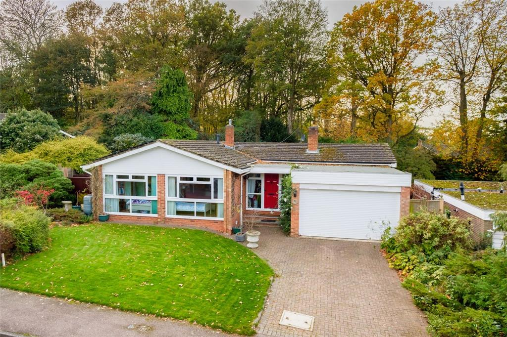4 Bedrooms Detached Bungalow for sale in Peace Grove, WELWYN, Hertfordshire