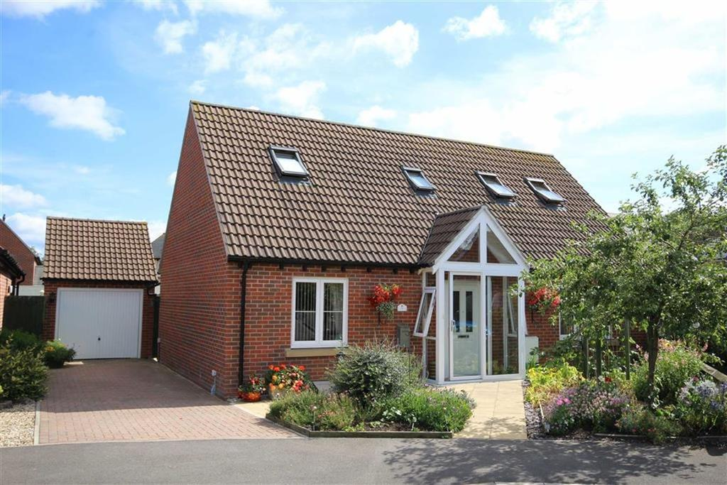 3 Bedrooms Chalet House for sale in Orchard Close, Bredon, Tewkesbury, Gloucestershire