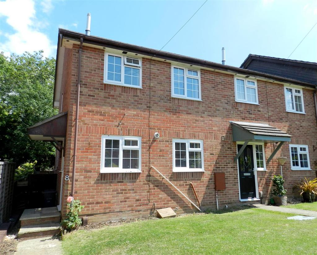 3 Bedrooms Terraced House for sale in Solent Gardens, Ryde
