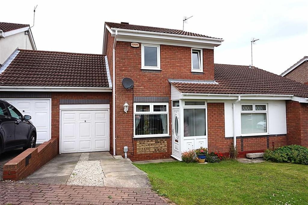 2 Bedrooms Semi Detached House for sale in Thornton Close, Hessle, Hessle, HU13