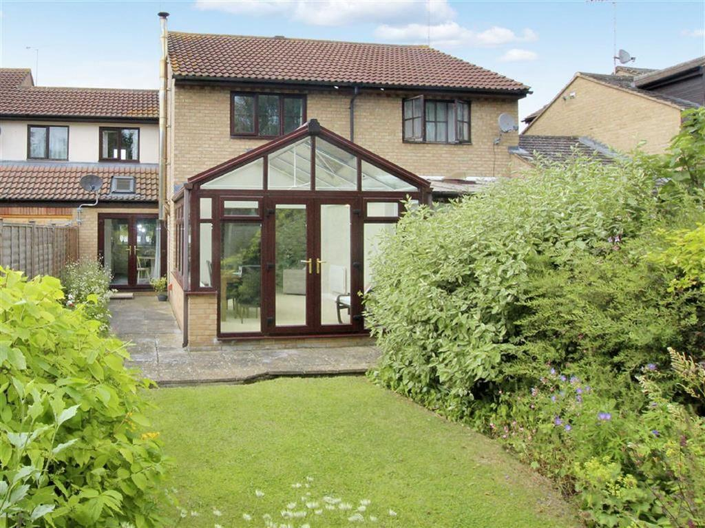 3 Bedrooms Terraced House for sale in 6, Bell Close, Helmdon