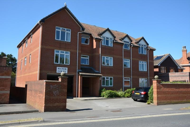 2 Bedrooms Flat for sale in Manor Road, Burnham-On-Sea