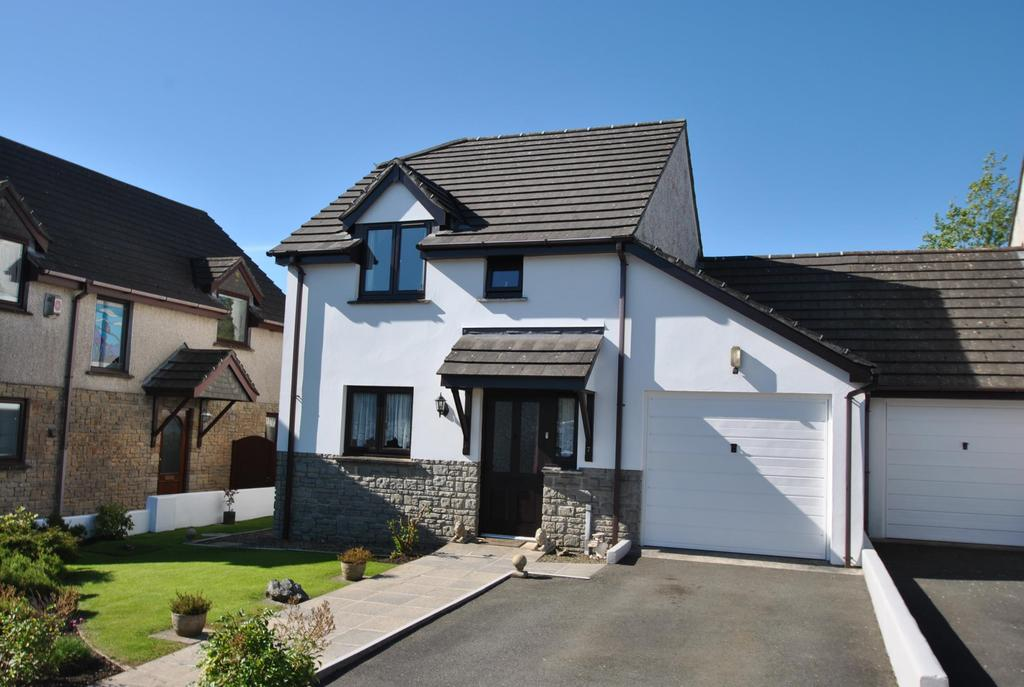 3 Bedrooms Detached House for sale in Market Place, Week St. Mary