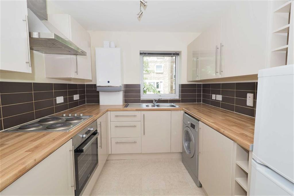 2 Bedrooms Flat for sale in Helmsley, South Woodford, London