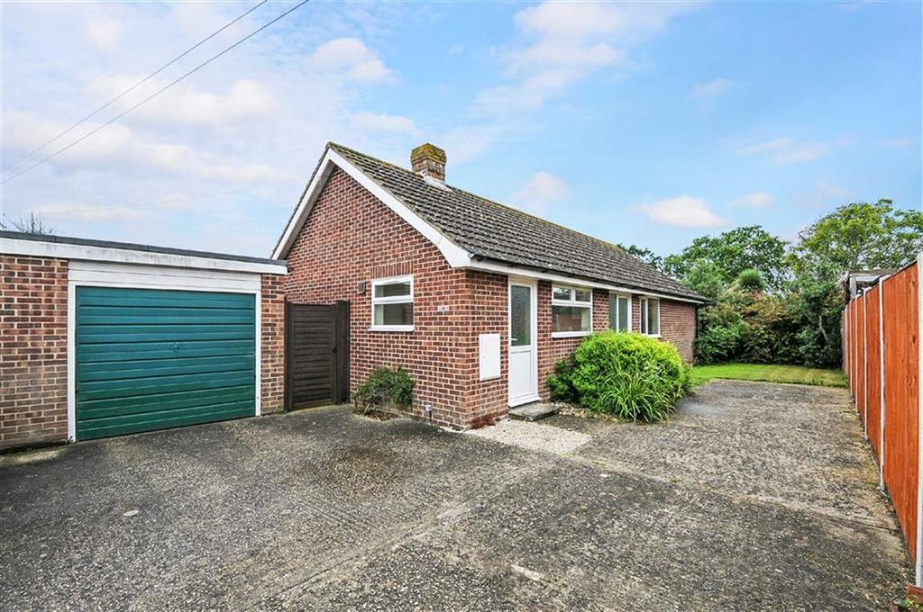 3 Bedrooms Detached Bungalow for sale in Main Road, Birdham, West Sussex
