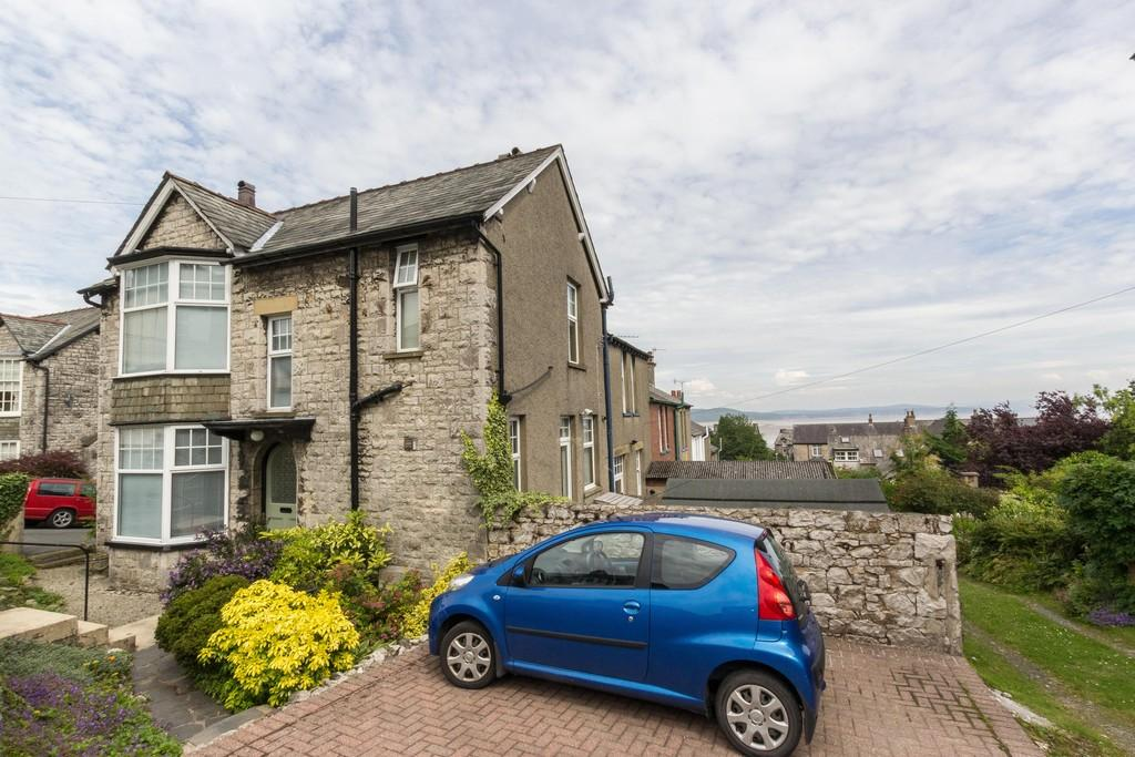 3 Bedrooms End Of Terrace House for sale in Lyndum, Fernleigh Road