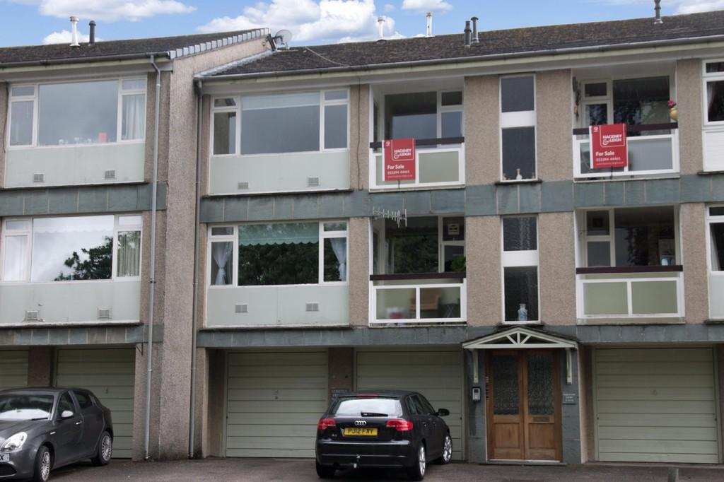 2 Bedrooms Apartment Flat for sale in 10 Beresford Court, Lake Road, Bowness on Windermere, Cumbria, LA23 2JL