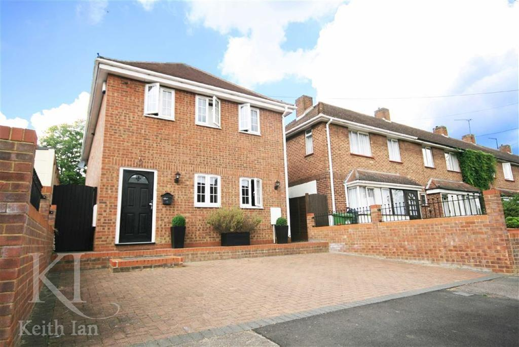 3 Bedrooms Detached House for sale in Hampden Crescent, Cheshunt