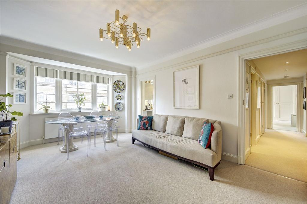 2 Bedrooms Flat for sale in Vicarage Court, Vicarage Gate, London, W8