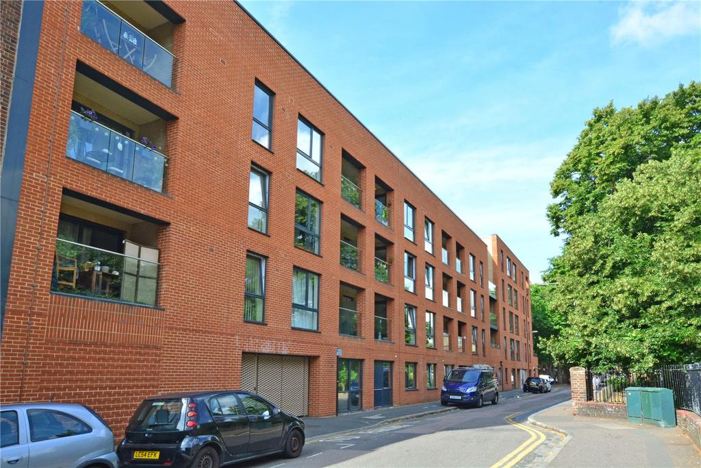 1 Bedroom Flat for sale in Marlow Court, 24 McMillan Street, Deptford, London, SE8