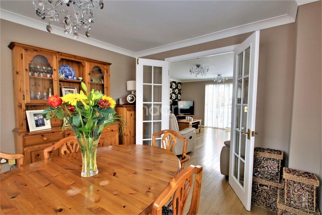 6 Bedrooms Detached House for sale in Clacton-on-sea