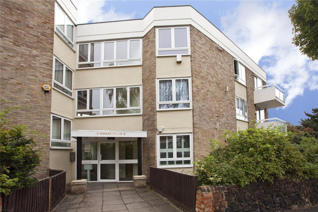 1 Bedroom Flat for sale in Wesley Court, 2 Beckwith Road, London, SE24