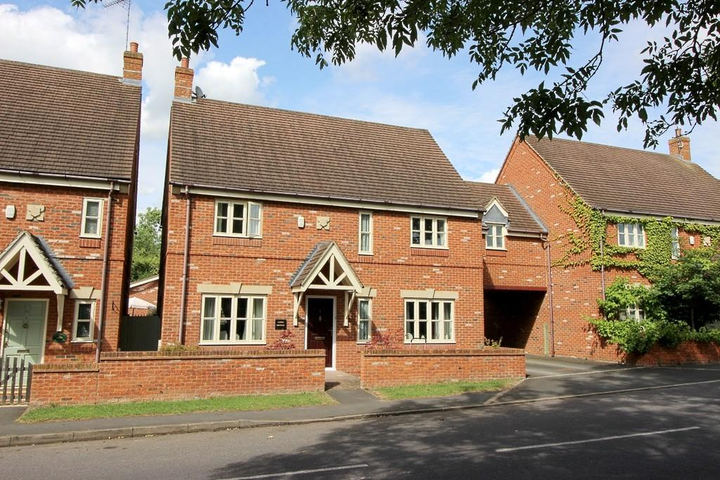 4 Bedrooms Cottage House for sale in Kineton, Warwickshire