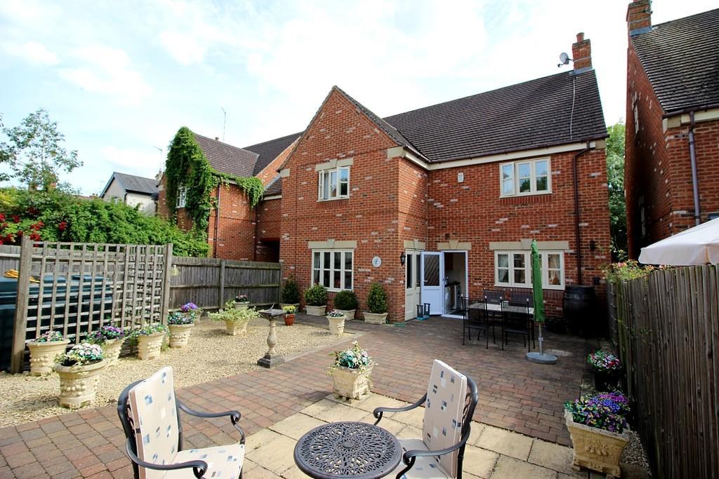 4 Bedrooms Cottage House for sale in Kineton, Warwickshire